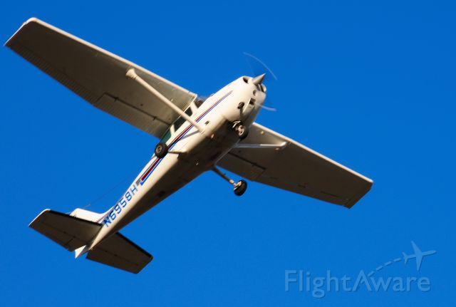 N6958H — - Departing runway 18