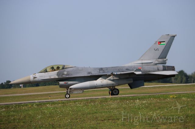 Lockheed F-16 Fighting Falcon (RJAF) - Royal Jordanian AF Pilot waves taxiing to the runway at Bangor.