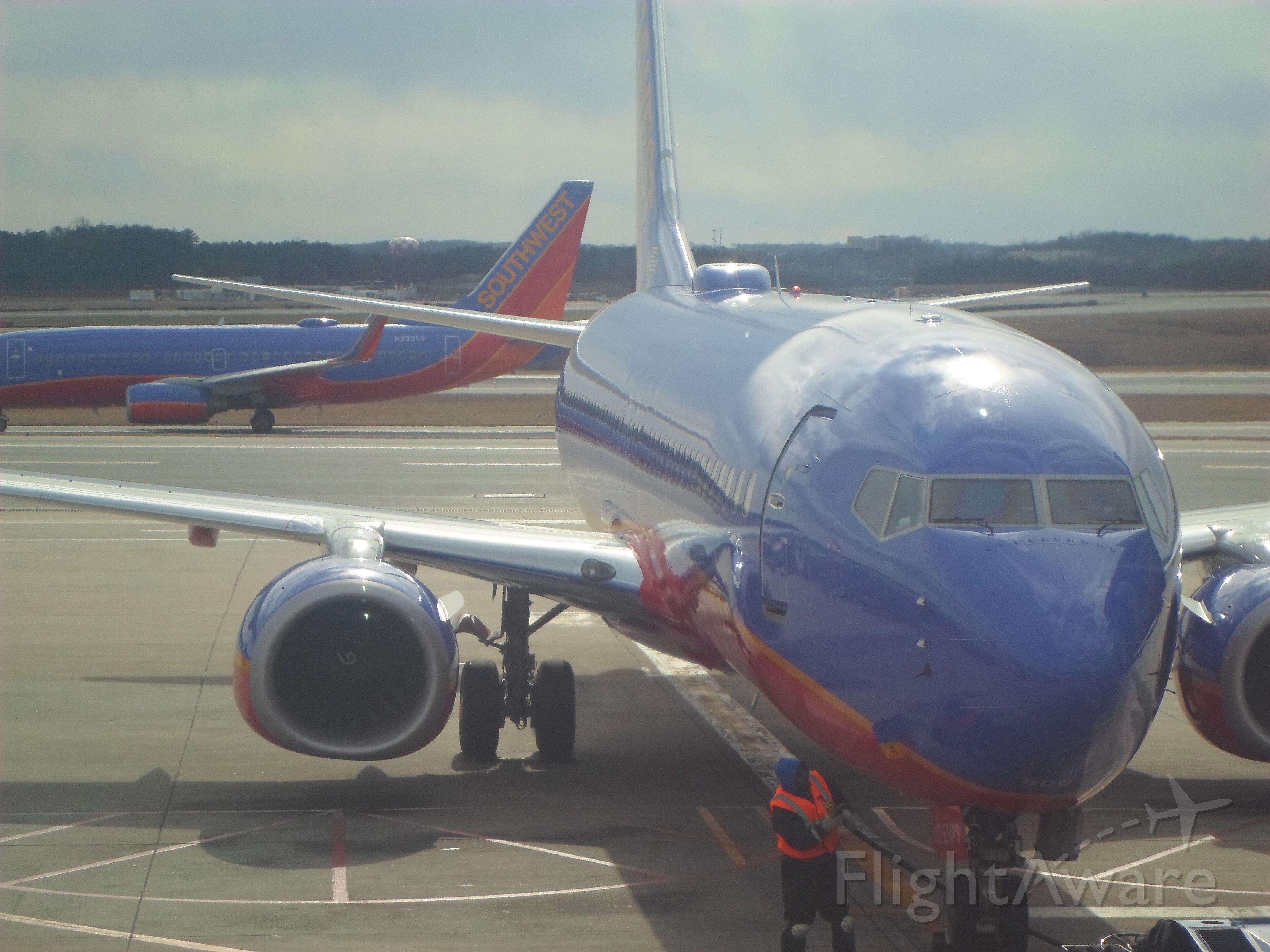 Boeing 737-700 (N233LV)
