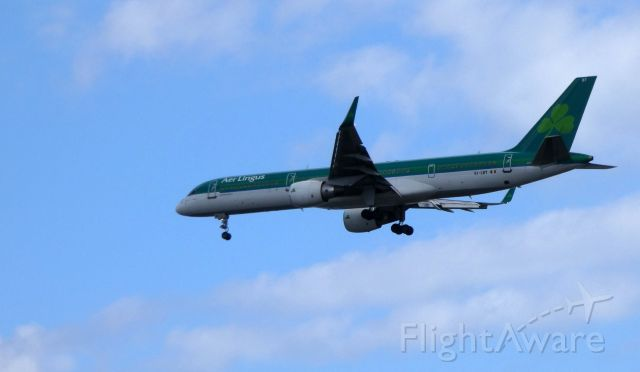 Boeing 757-200 (EI-LBT) - On final is this 1998 Aer Lingus Boeing 757-200 in the Summer of 2019.