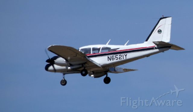 Piper Aztec (N6521Y) - On final is this 1967 Piper Aztec PA-23-250 in the Spring of 2019.