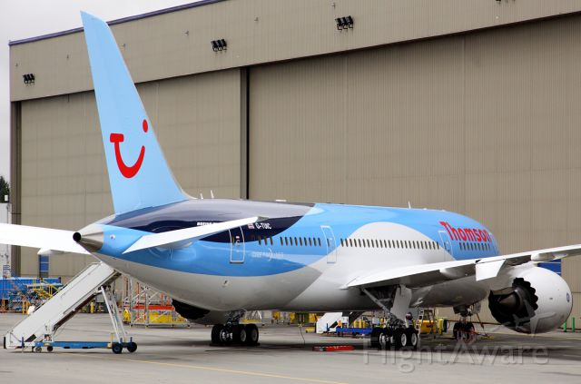 Boeing 787-8 (G-TUIC) - Thomson Airways G-TUIC at Paine Field February 21, 2013.