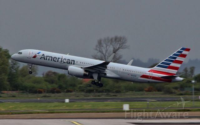 Boeing 757-200 (N941UW) - american b757-2 n941uw dep shannon for philadelphia 10/5/15.