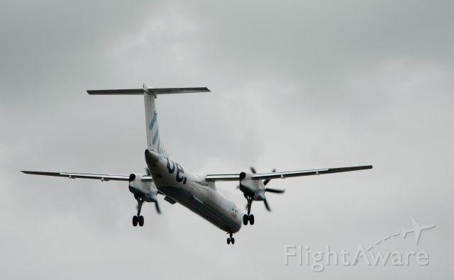 de Havilland Dash 8-400 (G-ECOT)