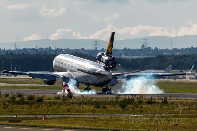Boeing MD-11 (D-ALCK) - touch down