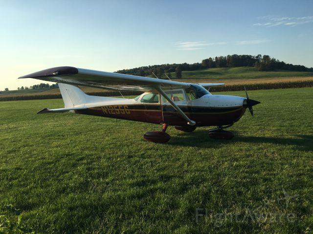 Cessna Skyhawk (N12556)