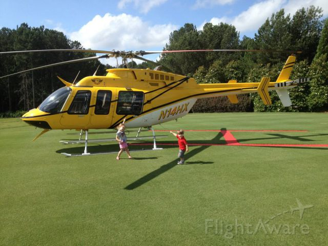 Bell 407 (N14HX) - In for a round of golf !