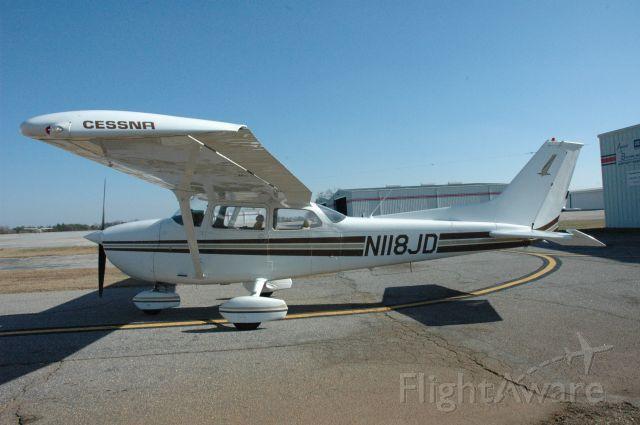 Cessna Skyhawk (N118JD)