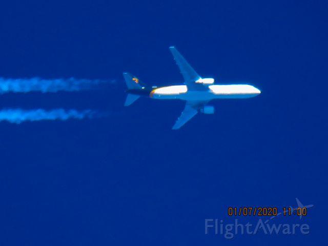 BOEING 767-300 (N365UP)