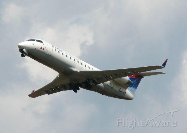 Canadair Regional Jet CRJ-200 (N680BR) - Departing Shreveport Regional.