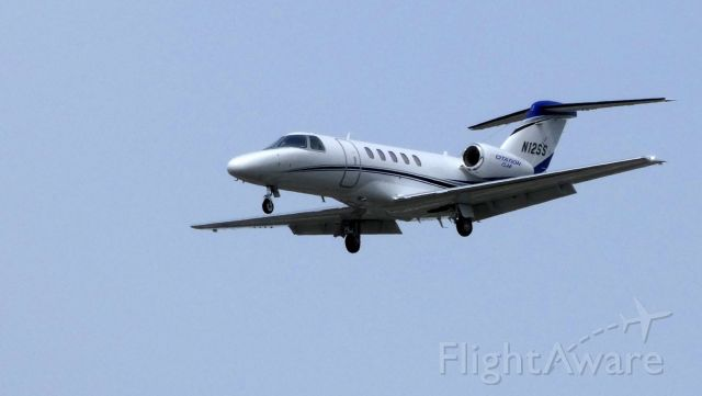 Cessna Citation CJ4 (N12SS) - On final is this 2016 Cessna Citation 525C in the Spring of 2019.