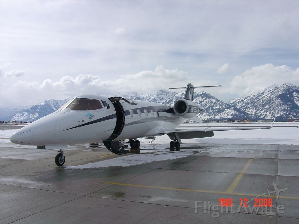 Learjet 60 (N889DW) - Preparing for departure from Mammoth Lake, CA. (KMMH). 3/12/2006