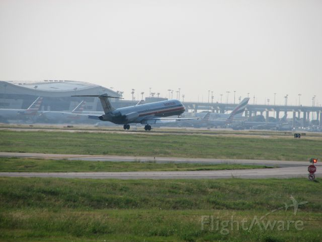 McDonnell Douglas MD-80 (N984TW) - American Airlines flight 1310 arriving from Clevlend, OH