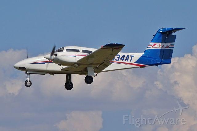 Piper PA-44 Seminole (N834AT)
