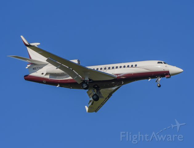 Dassault Falcon 7X (N577CF) - Arriving rwy 2L KDPA.