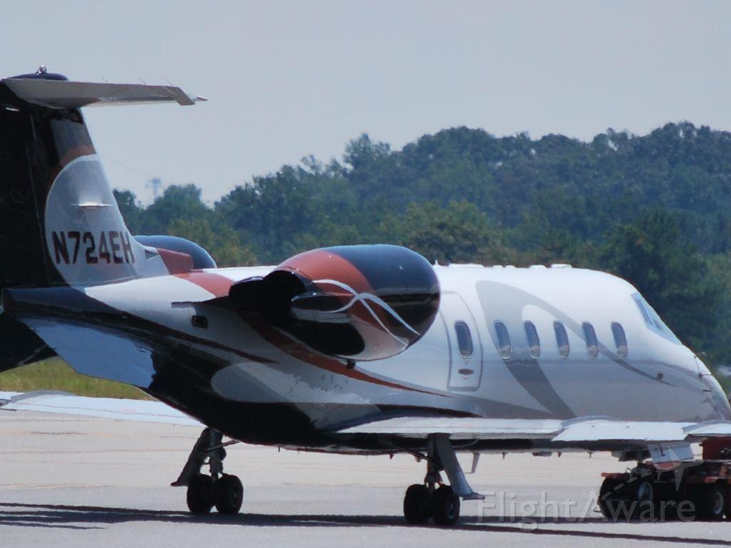 Learjet 60 (N724EH) - 8/23/09