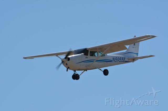 Cessna Skyhawk (N5955E)