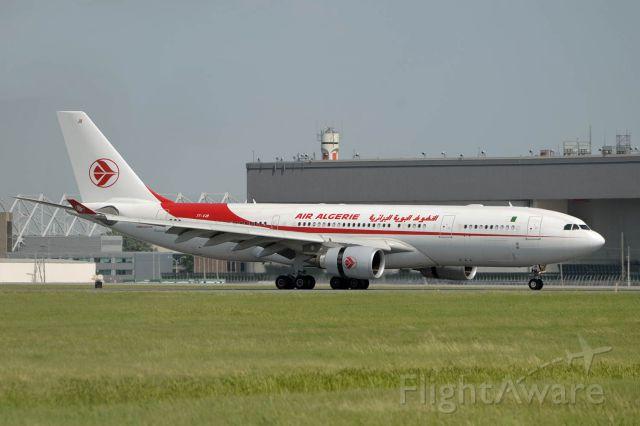 Airbus A330-200 (7T-VJB)