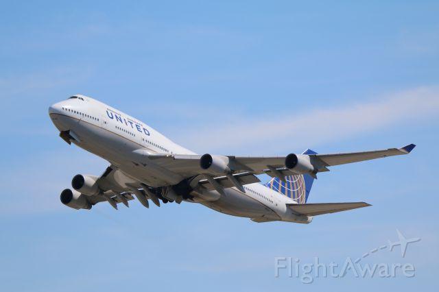 Boeing 747-400 (N199UA)
