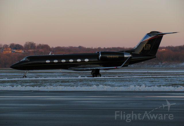 "Gulfstream Aerospace Gulfstream IV (N269HM) - ""Hustler"" at KLUK"