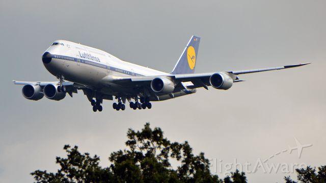 BOEING 747-8 (D-ABYT) - LH457 LAX-FRA