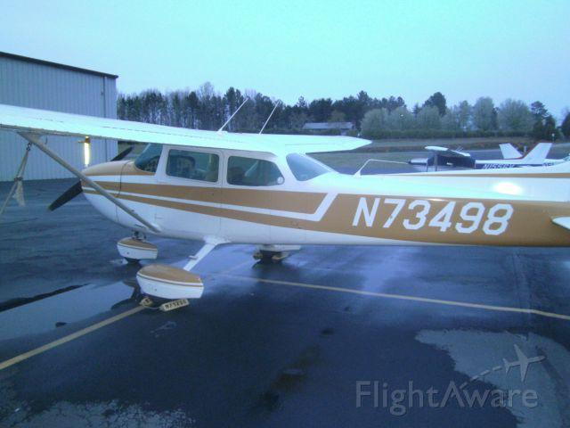 Cessna Skyhawk (N73498)