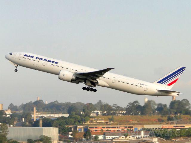 BOEING 777-300 (F-GSQF)