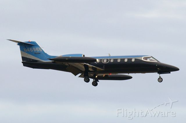 Learjet 35 (N469BB)