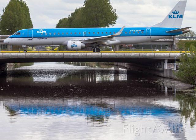 Embraer ERJ-190 (PH-EZK)