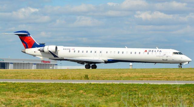 Canadair Regional Jet CRJ-900 (N187PQ)