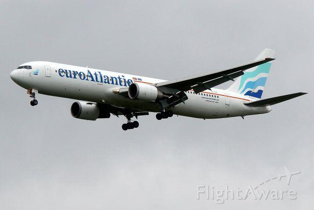 BOEING 767-300 (CS-TKS) - Subbing for Cape Verde 690 from Praia