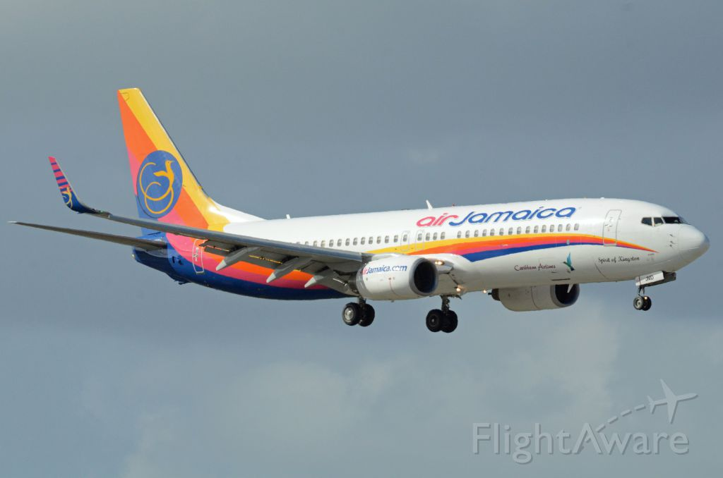 Boeing 737-700 (9Y-JMD) - Imaged on 11/12/12