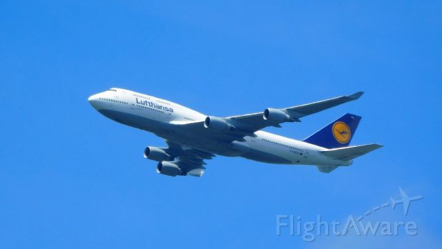 Boeing 747-200 (D-ABVX) - 6 miles ENE of Dulles. Enroute from FRA to IAD.
