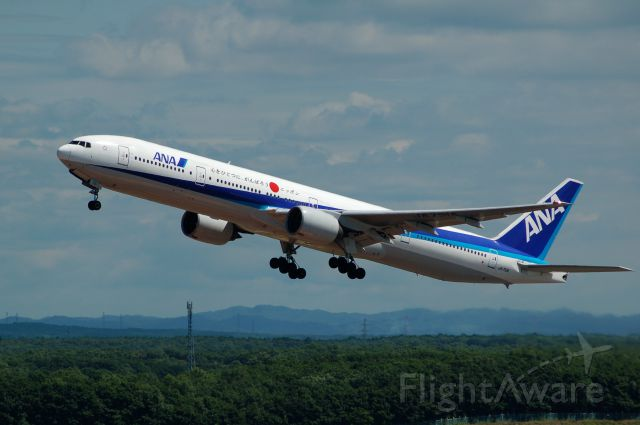 BOEING 777-300 (JA751A) - JA751A Boeing 777-381 c/n 28272/142