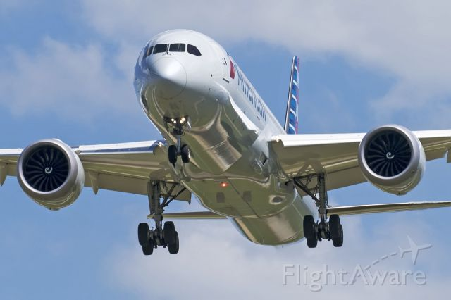 Boeing 787-9 Dreamliner (N820AL)