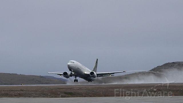 Boeing 737-700 (C-FFNE)