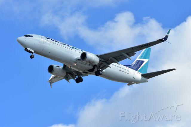 Boeing 737-700 (C-GKWJ)
