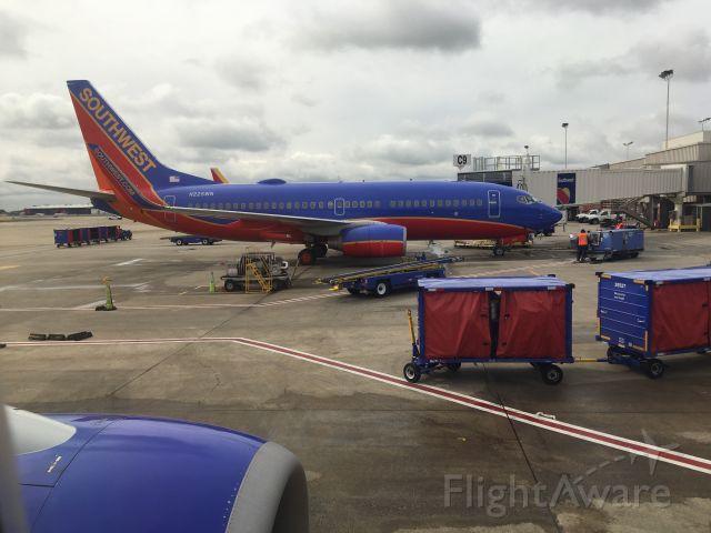 Boeing 737-700 (N225WN) - Cool view of a 737 at Atlanta intl!