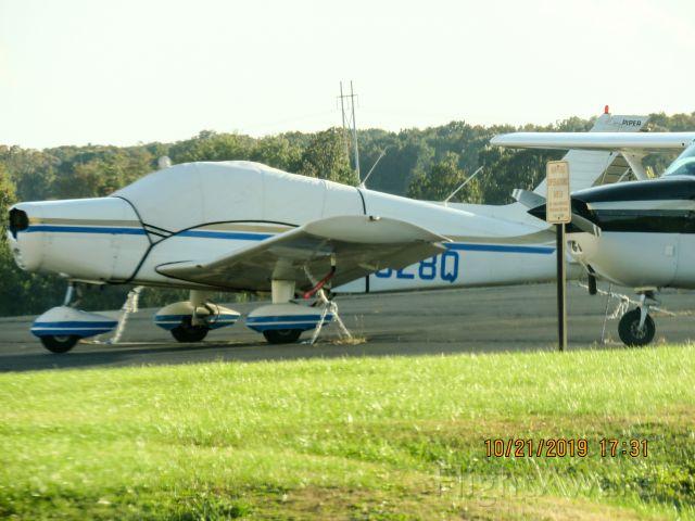 Piper Cherokee (N3328Q)