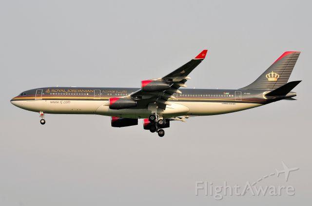 Airbus A340-200 (JY-AID)