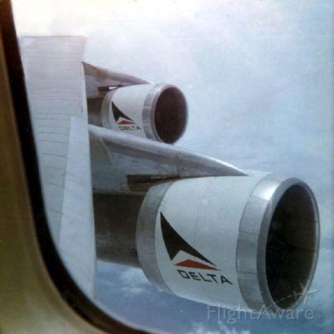 BOEING 747-100 (EGN123AB) - inflight ATL-DFW 1976