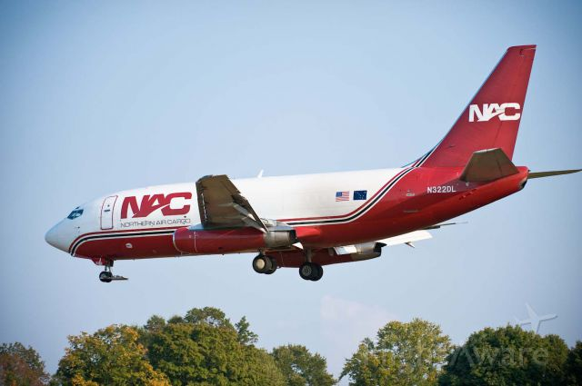 Boeing 737-200 (N322DL) - NAC970 arriving Hickory from KLRD 13.Oct.2010