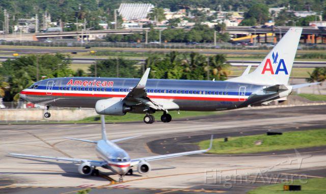 Boeing 737-800 (N866NN)