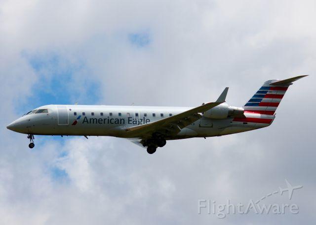 Canadair Regional Jet CRJ-200 (N877AS) - At Shreveport Regional. 2001 Bombardier CRJ-200ER (CL-600-2B19)