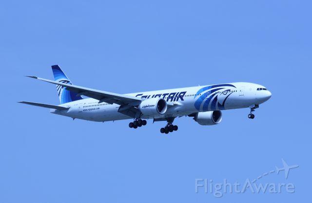 BOEING 777-300 (SU-GOP)