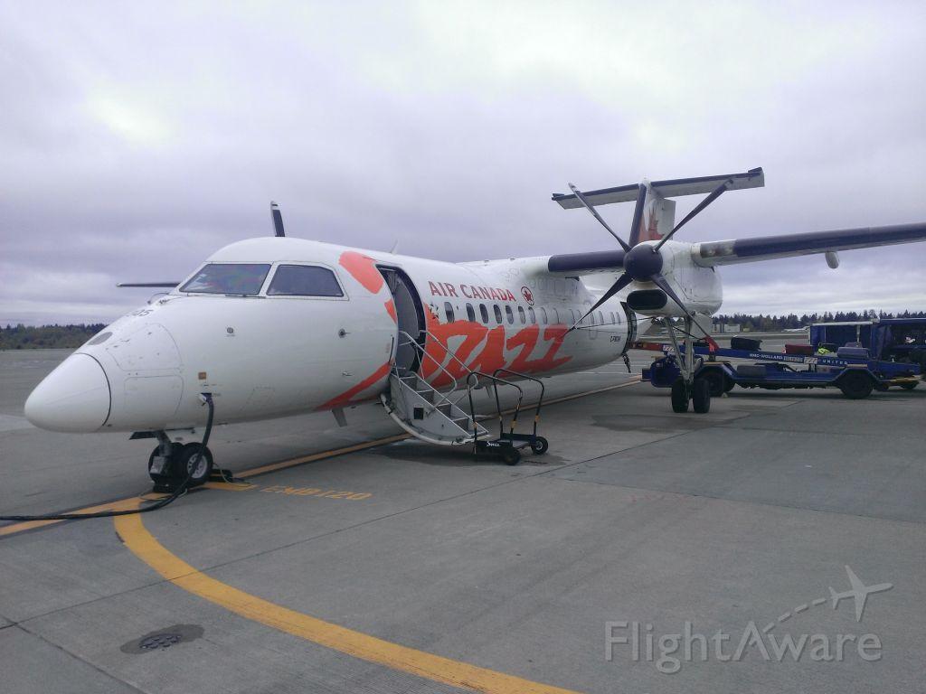de Havilland Dash 8-300 (C-FMDW) - Took after landing