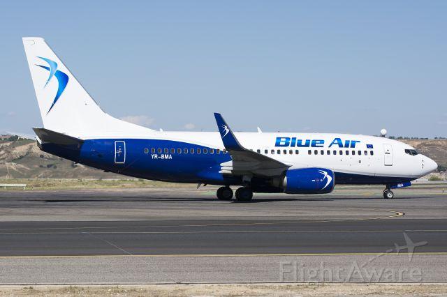 Boeing 737-700 (YR-BMA)