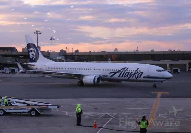 — — - Alaska B-737-800 #492, Flight 11 EWR-SEA, Sunday 29 Jan