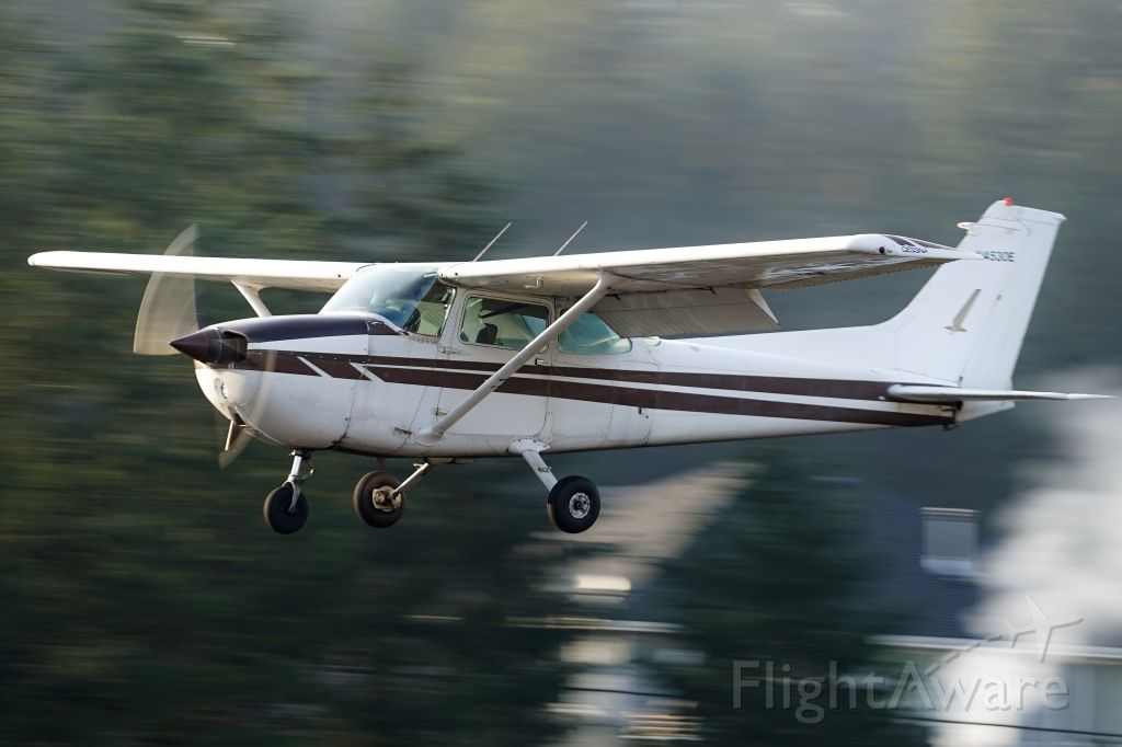 Cessna Skyhawk (N4530E) - S36