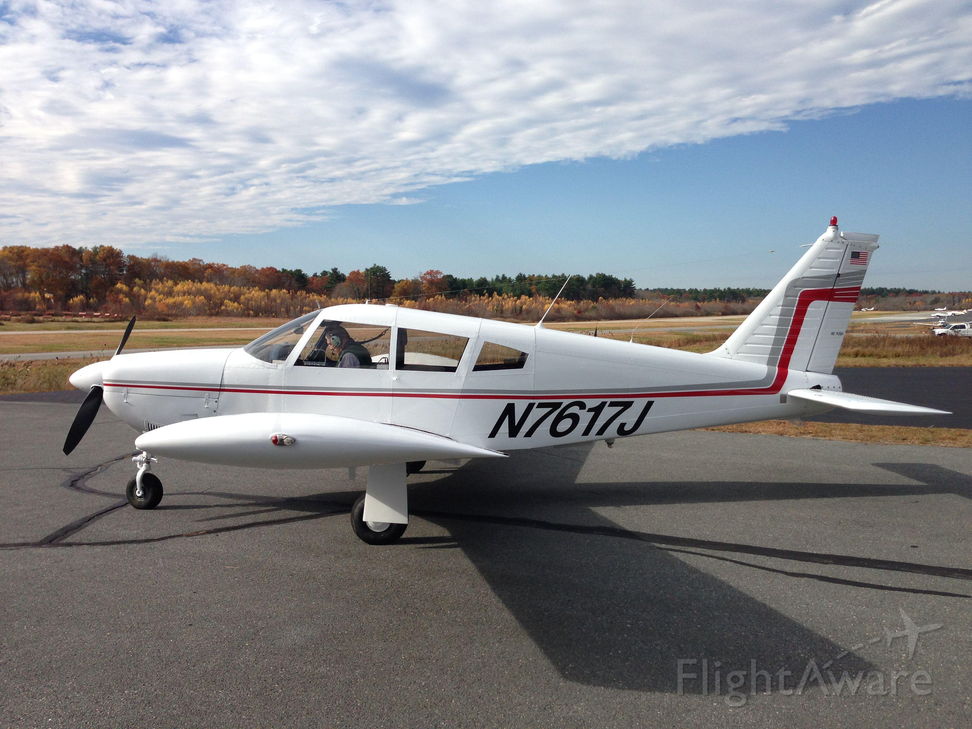 Piper Cherokee (N7617J)